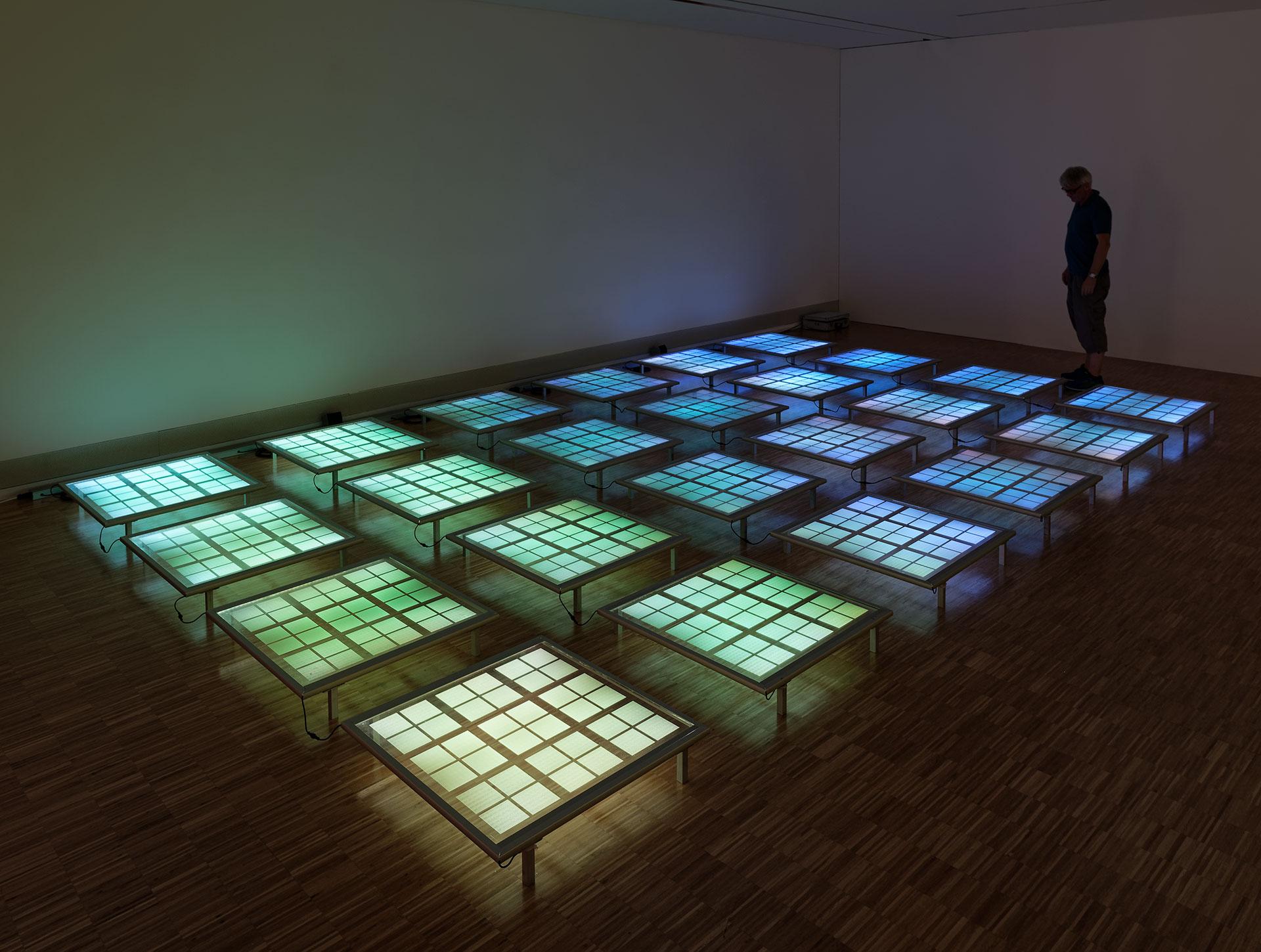 daniel_hausig_pool_II_2019_light-installation