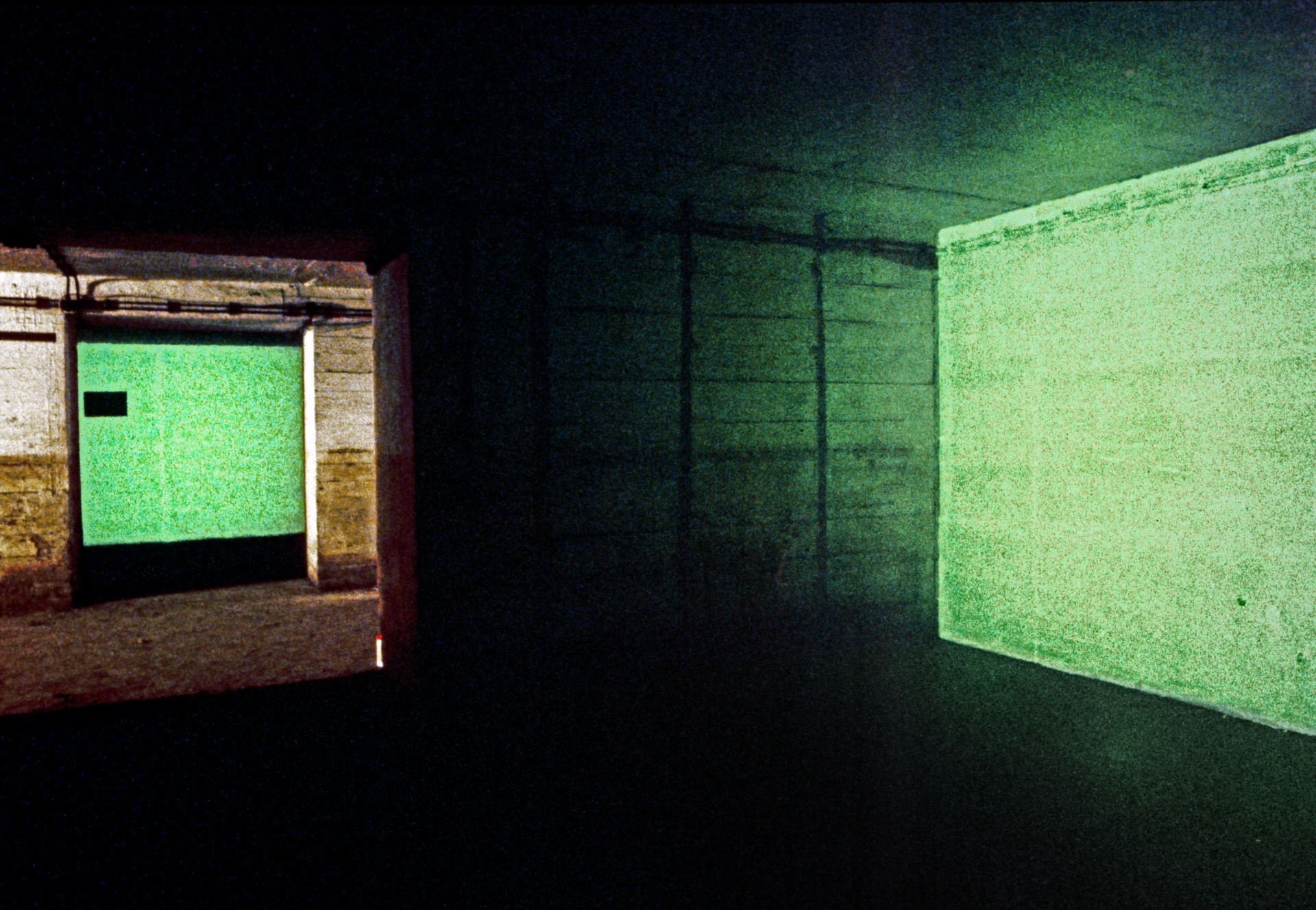 daniel_hausig_safelight_1987_light-art-installation